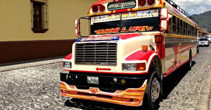 Chicken Bus in Lateinamerika