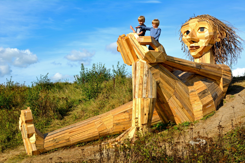 ERV Blog Giants Holzskulptur Bakke top Trine