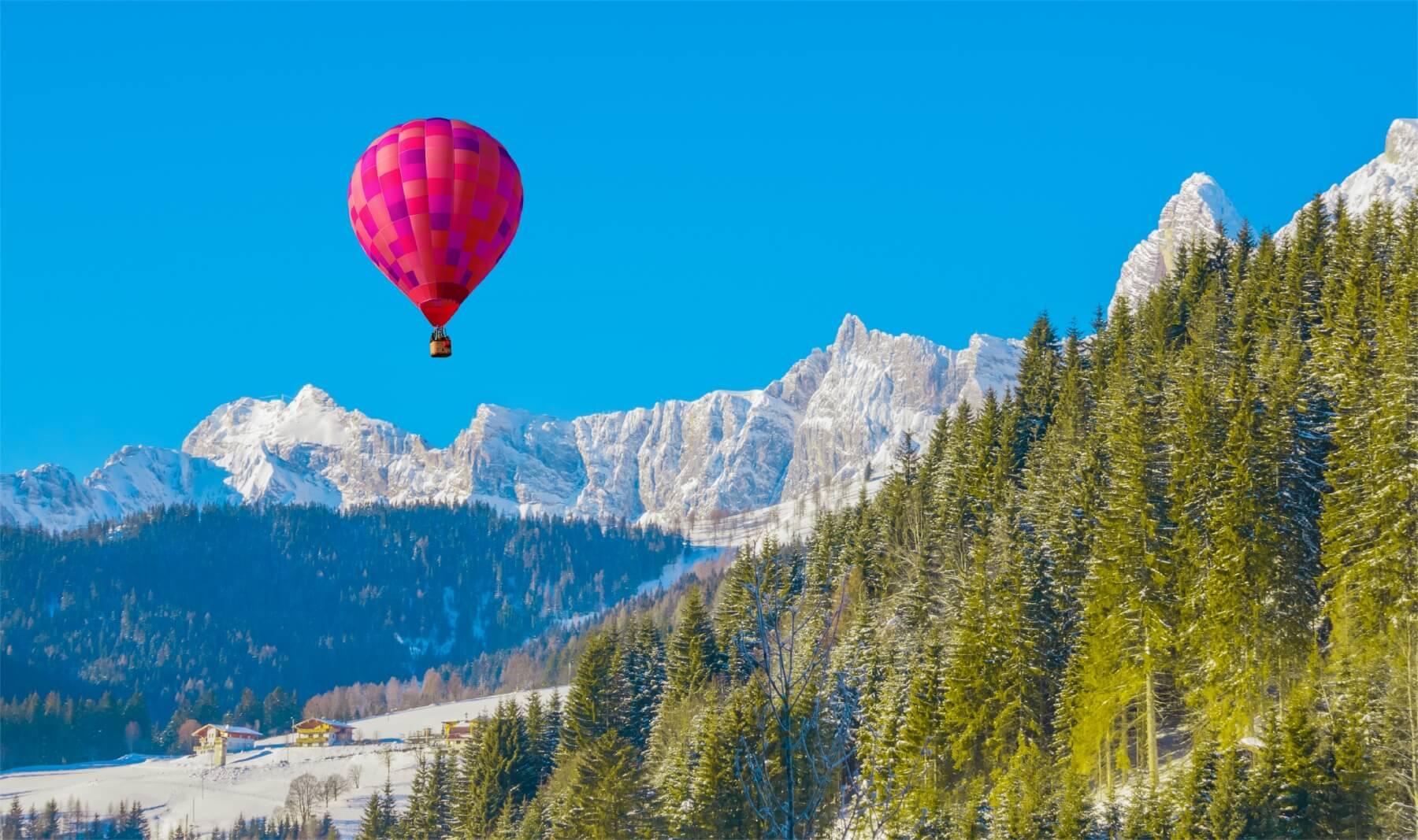 Ballonfahrten über den Alpen
