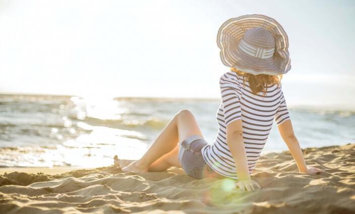 Wertsachen auf Reisen am Strand sichern