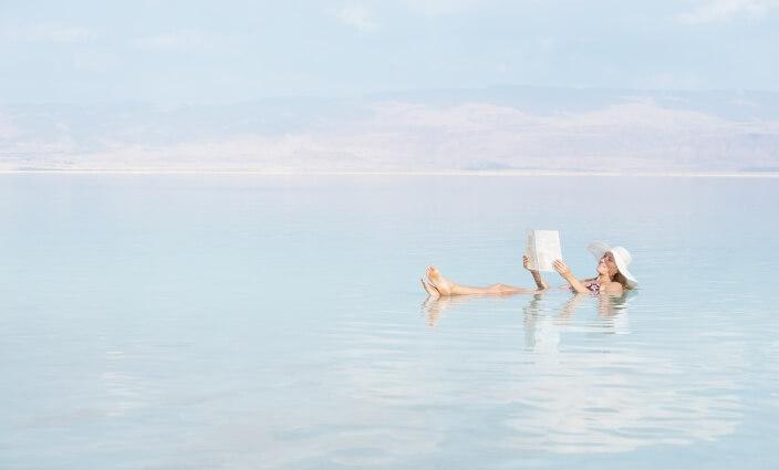 Entspannung am Toten Meer bei Neurodermitis