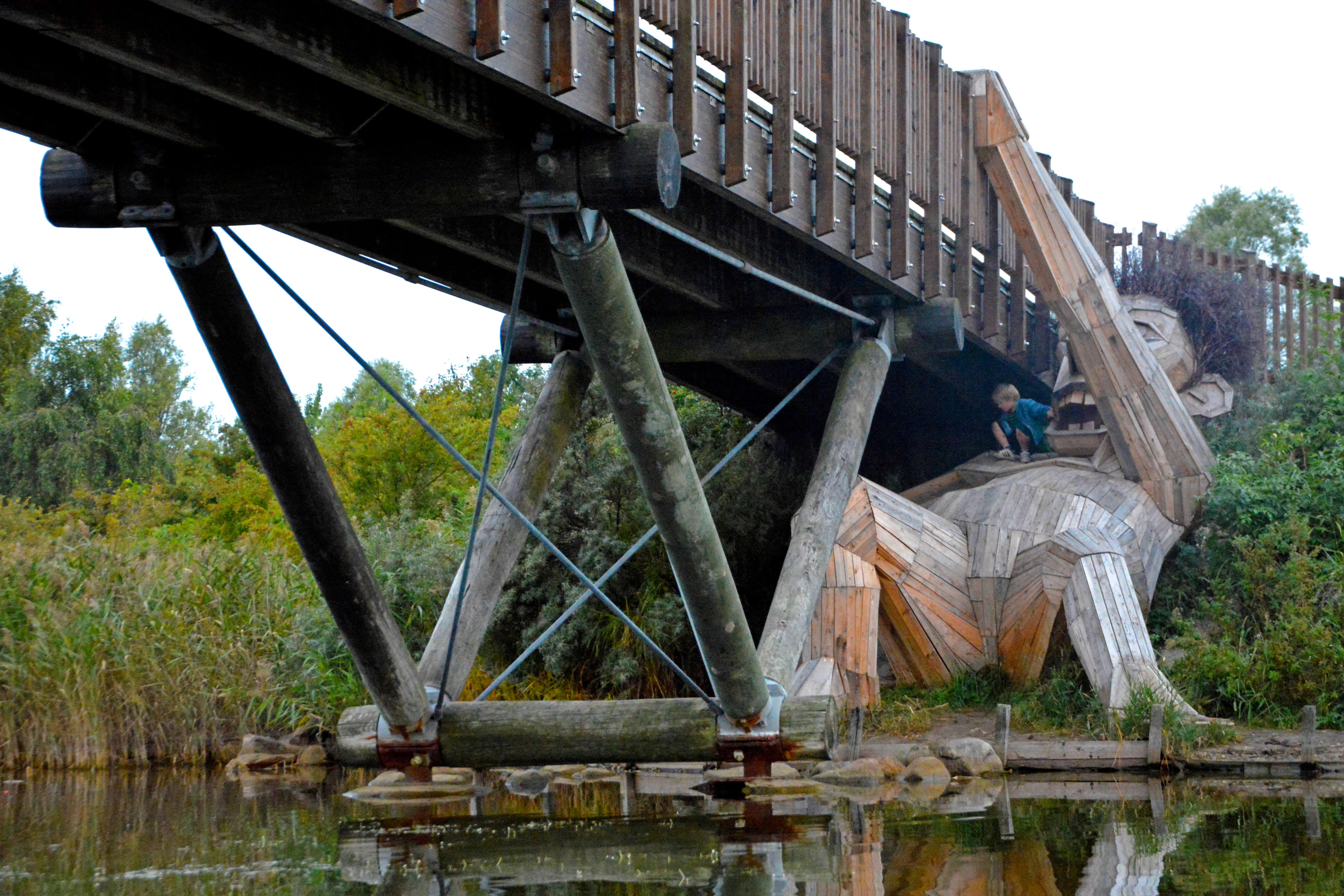 ERV Blog Giants Holzskupltur Oscar under broen