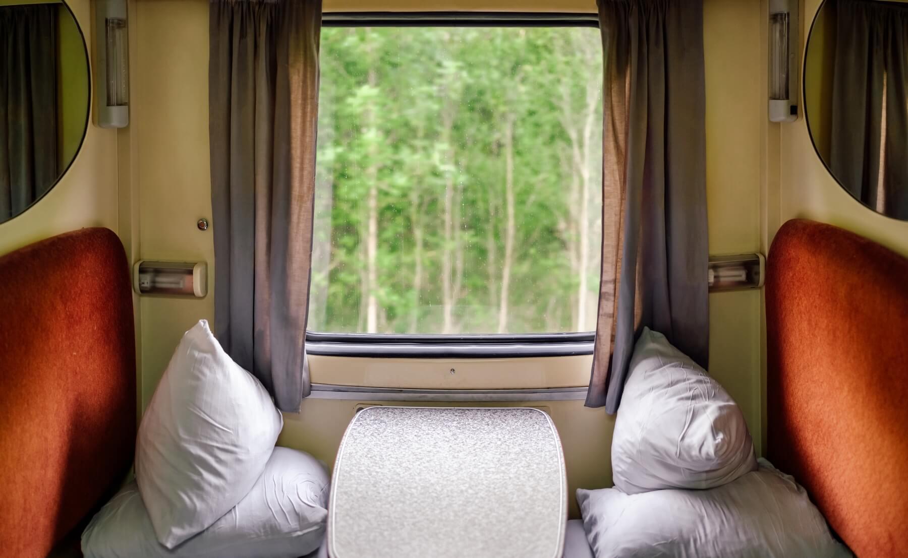 Schlafwagenabteil im Nachtzug