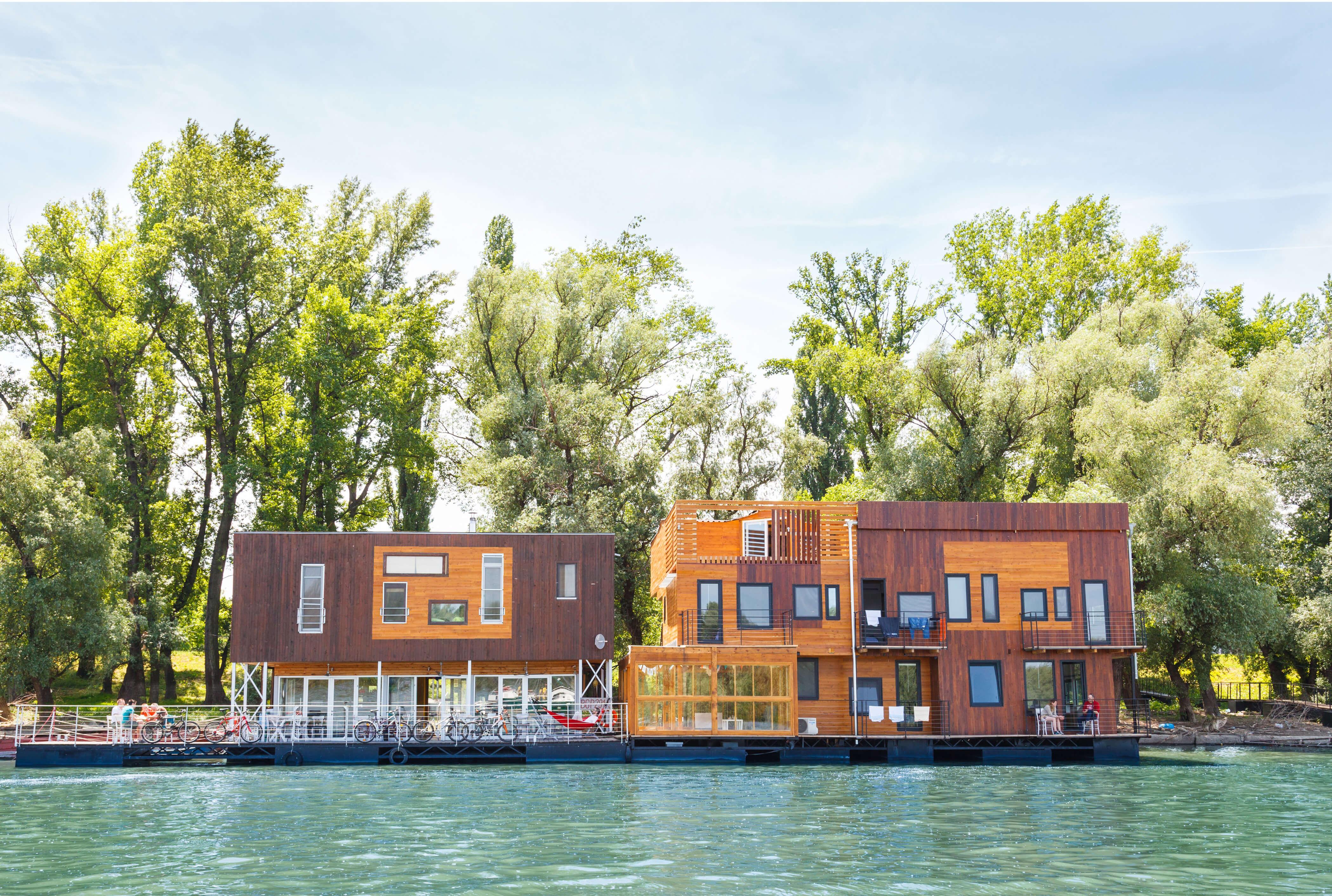 Hausboot in Belgrad Donau