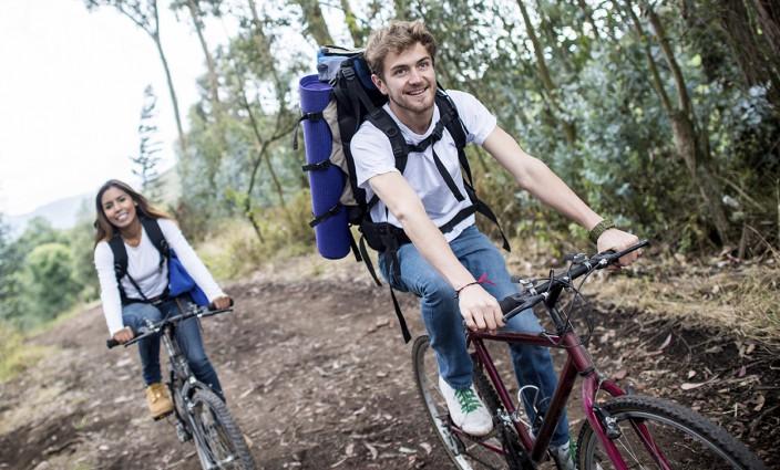 Radreise junges Paar